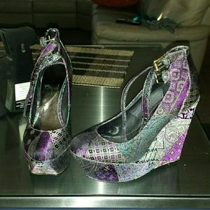 Aldo purple print platform wedges size 38 8